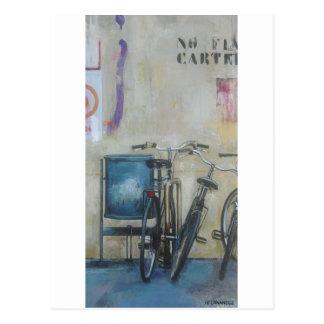 dos bicicletas y 1/2 postcard