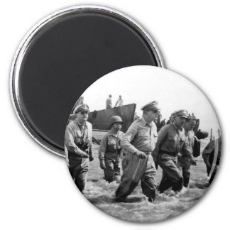 Douglas MacArthur lands at Leyte Philippine Island 6 Cm Round Magnet
