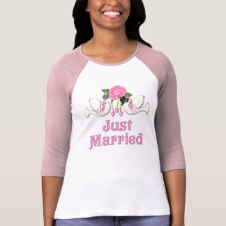 Dove & Rose - Just Married T-shirt