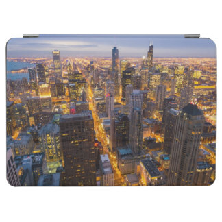 Downtown Chicago skyline at dusk iPad Air Cover