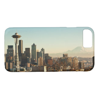 Downtown Seattle skyline and Space Needle iPhone 7 Case