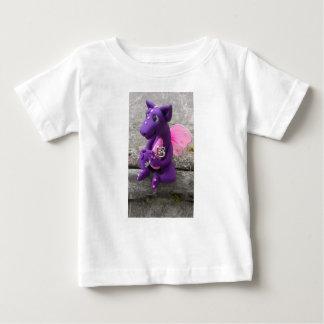 Dragon sculpture t-shirt