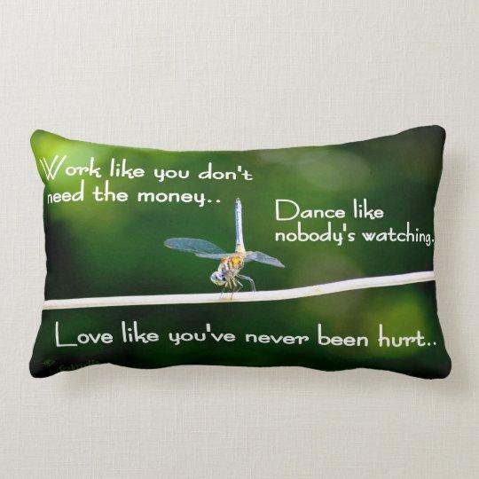 Dragonfly Dance Throw Pillow - Baile de libélula