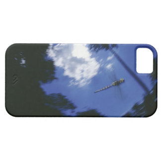 Dragonfly in flight, flapping wings case for the iPhone 5