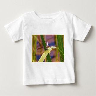 Dragonfly on raindrop leaf tee shirt