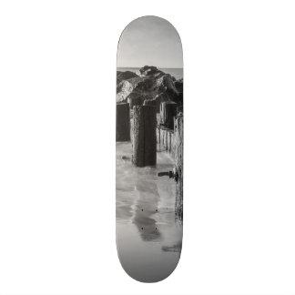 Dreamy Seawall Grayscale 18.1 Cm Old School Skateboard Deck