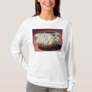 Drinking cup depicting Scythian soldiers T-Shirt