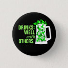 Drinks Well with Others Mugs o' Shamrocks 3 Cm Round Badge
