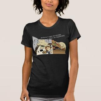 DroidrageAppleholic Dark Colors Narrow Image Tee Shirt