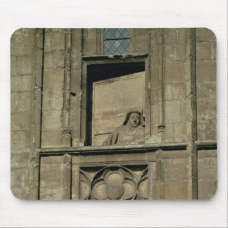 Dummy window in the entrance facade with a figure mouse pad