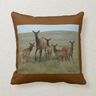 E0044 Cow Elk and Calves Throw Cushion