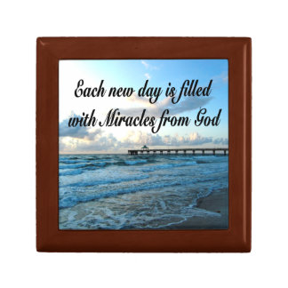 EACH DAY IS A MIRACLE FROM GOD SMALL SQUARE GIFT BOX