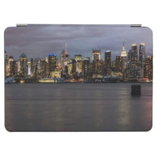Early evening panoramic view of Manhattan iPad Air Cover