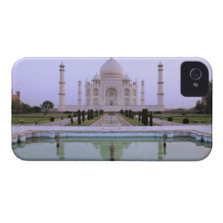 early morning view of the Taj Mahal reflected in iPhone 4 Case-Mate Case