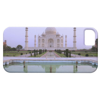early morning view of the Taj Mahal reflected in iPhone 5 Cover