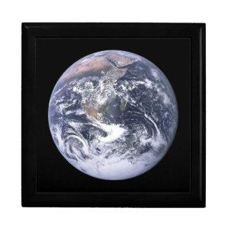 EARTH GIFT BOX
