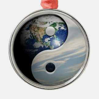 Yin yang christmas decorations christmas d cor zazzle for Decoration murale yin yang