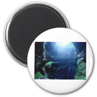 Earthly Cave 6 Cm Round Magnet
