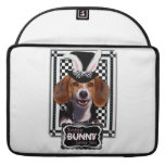 Easter - Some Bunny Loves You - Beagle Sleeve For MacBook Pro