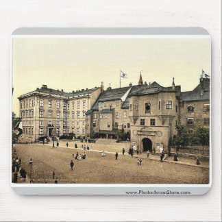 Eastern part of castle and principal garden, Konig Mouse Pad