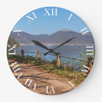 Edersee with lock forest-hit a corner large clock