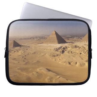Egypt, Pyramids at Giza, Khafre, Khufu, Menkaure Laptop Sleeve