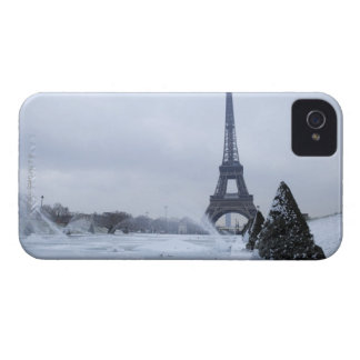Eiffel tower in winter iPhone 4 cover