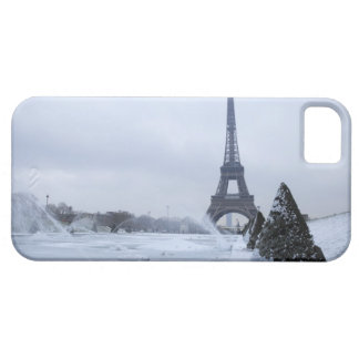Eiffel tower in winter iPhone 5 cases