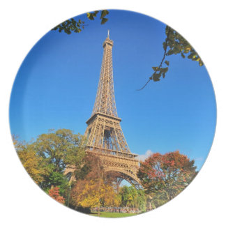 Eiffel Tower with autumn trees and leaves Plate