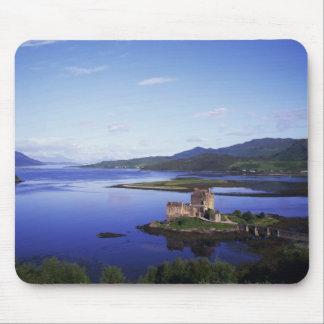 Eilean Donan Castle, Dornie, Highlands, Mouse Pad
