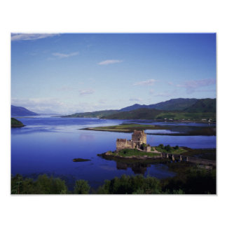 Eilean Donan Castle, Dornie, Highlands, Poster