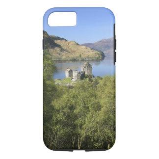 Eilean Donan Castle, Scotland. The famous Eilean iPhone 8/7 Case