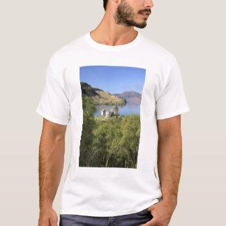 Eilean Donan Castle, Scotland. The famous Eilean T-Shirt