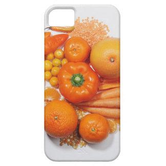 Eine Auswahl der orange Früchte u. des Gemüses iPhone 5 Cover