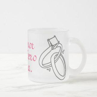 El amor verdadero espera. frosted glass mug