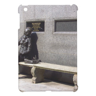 Eleanor Rigby Statue, Liverpool UK iPad Mini Cases