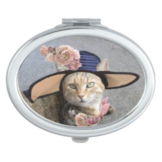 ELEGANT CAT WITH BIG DIVA HAT AND PINK ROSES MIRROR FOR MAKEUP