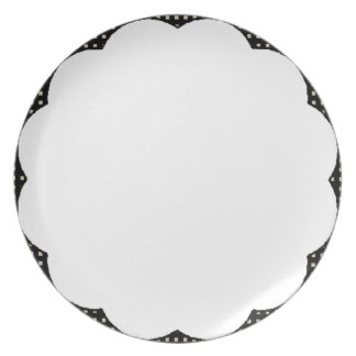 Elegant-Designs- (c) Polka-Dots__Scallop-_Everyday Party Plates