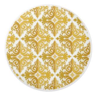 Elegant gold knobs