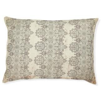 Elegant laced golden-white pattern pet bed