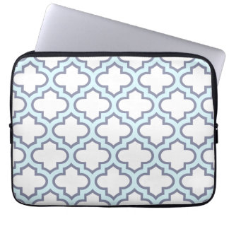 Elegant Light Blue Moroccan Quatrefoil Pattern Laptop Sleeves