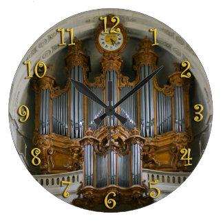 Elegant organ clock