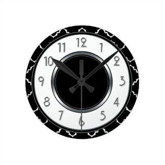Elegant Quatrefoil Monogram - Black White Round Clock