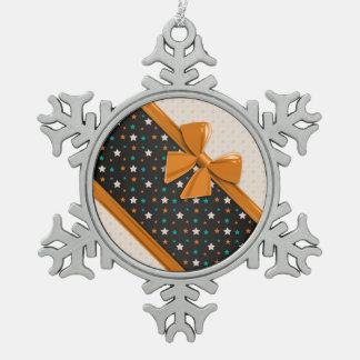 Elegant Ribbons and Stars Pewter Snowflake Decoration