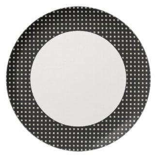 Elegant-Statement's-Metro-Black-_Everyday Plate