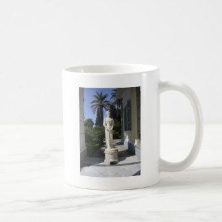 Elegant statue coffee mug