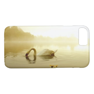 Elegant swan in the lake iPhone 8/7 case