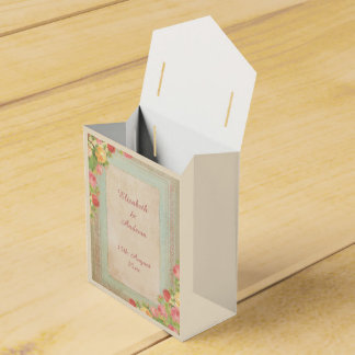 Elegant Vintage Roses Wedding Favour Box