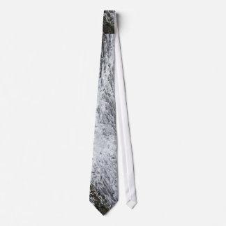 Elegant waterfall tie
