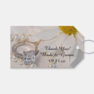 Elegant White Daisy Wedding Favor Tags
